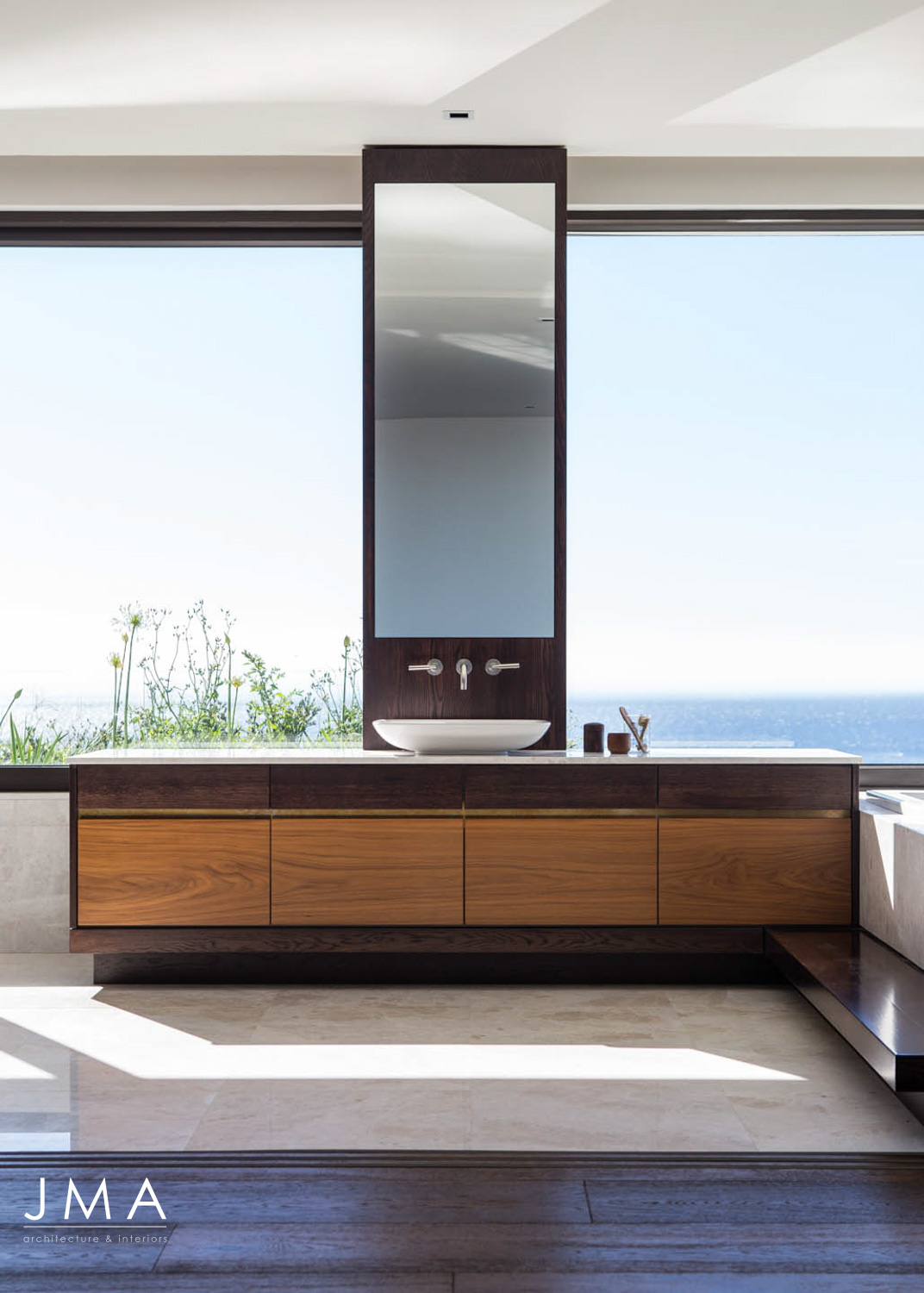 Avenue Fresnaye Villa - Bathroom with View of the Atlantic Seaboard