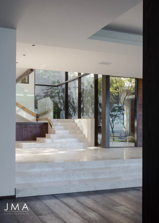 Avenue Fresnaye Villa - Staircase