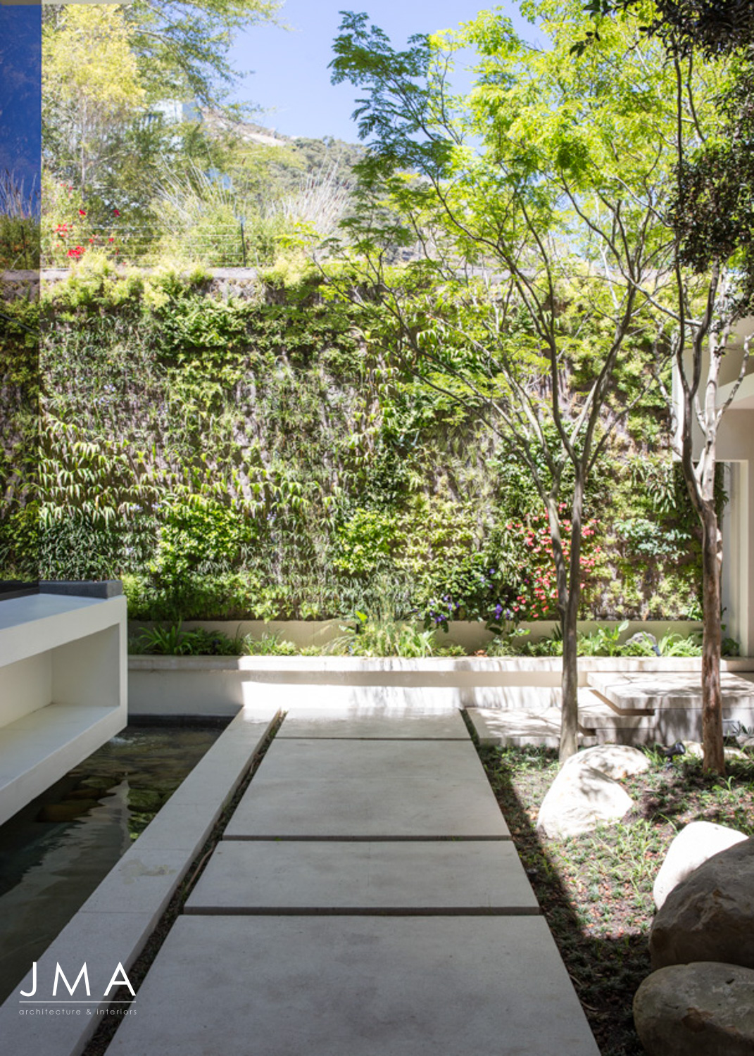 Avenue Fresnaye Villa Entrance Courtyard architecture & landscaping 2 - Interior Architectural design by Jenny Mills Architects