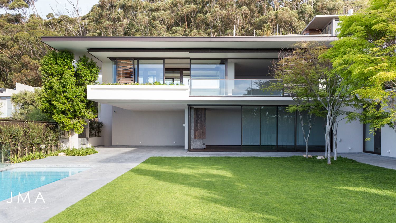 Avenue Fresnaye Villa Pool & architecture 2 - Architectural design by Jenny Mills Architects