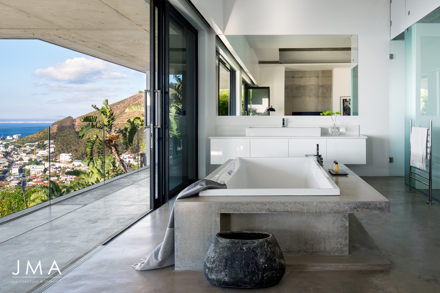 Pool Penthouse - Master Bathroom with the view of the Atlantic Seaboard