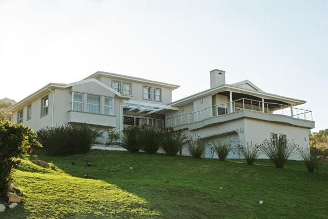phoca_thumb_l_brackenridge house exterior 14