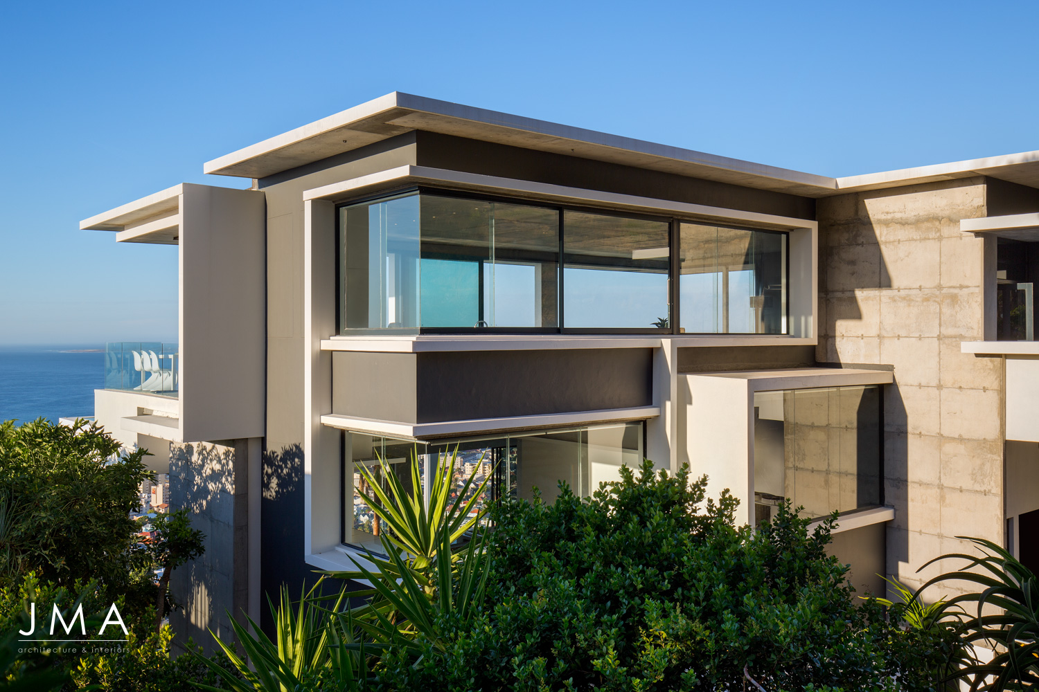 Fresnaye Pool Penthouse external entrance street view - architectural design by Jenny Mills Architects