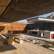 Contemporary Beach House Outdoor Courtyard