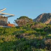 Contemporary Beach House Mountain View Exterior