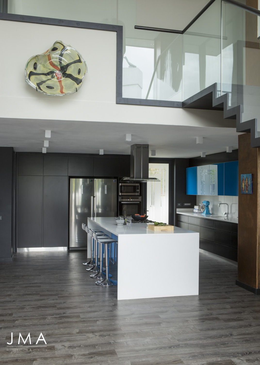 Welgedacht Villa - Contemporary Kitchen and Circulation