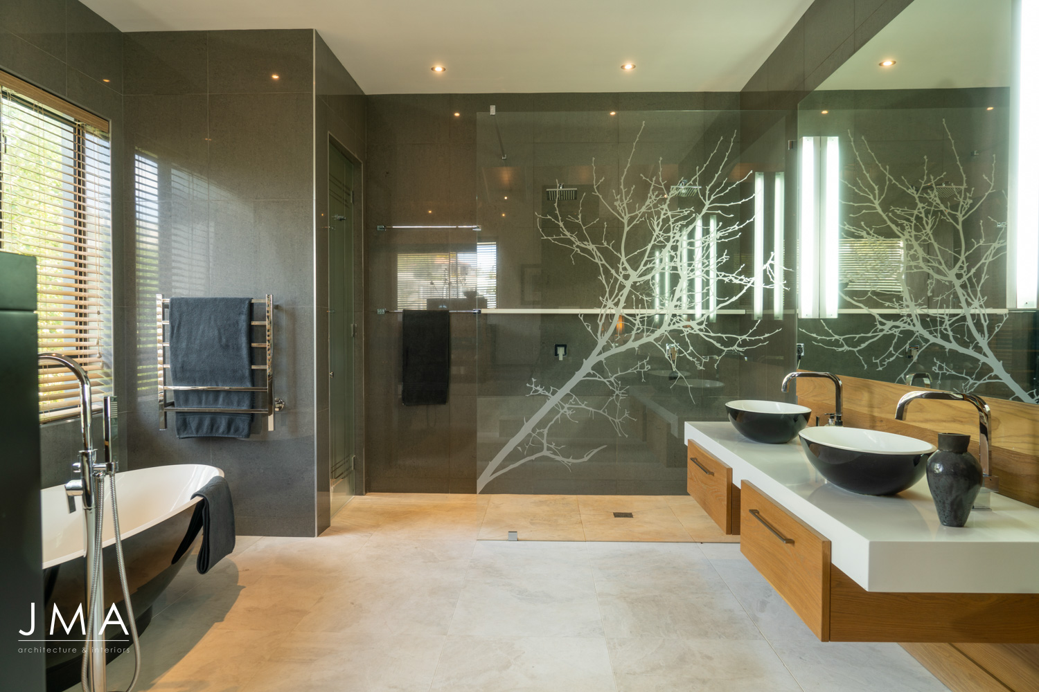 Welgedacht Villa bathroom - interior architectural design by Jenny Mills Architects