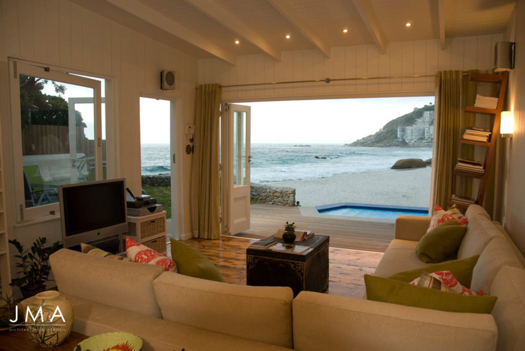 QUINTESSENTIAL BEACH COTTAGE ON CLIFTON
